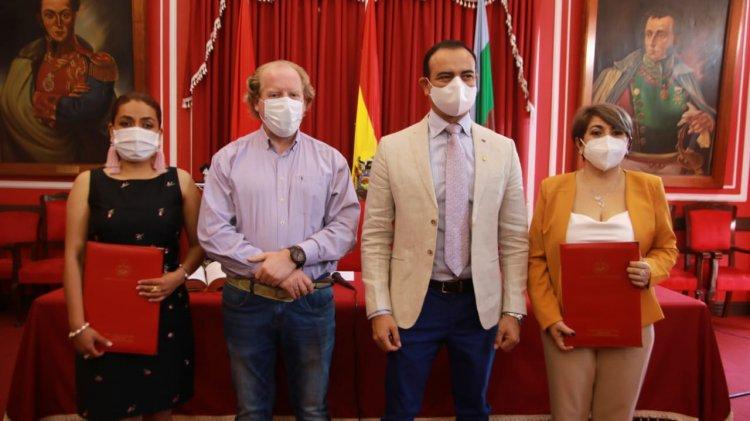Oliva posesiona a Lily Morales, Mario Cavero y Paola Mendoza como secretarios de la Gobernación