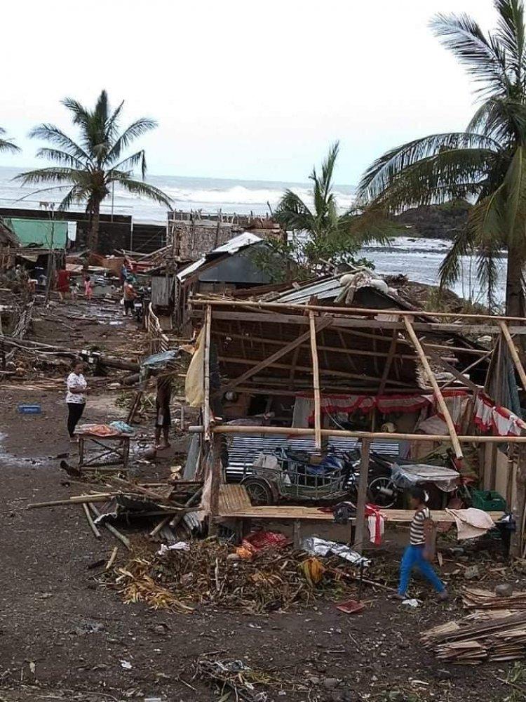 Supertifón Goni llega a Filipinas, donde casi un millón de personas han sido evacuadas