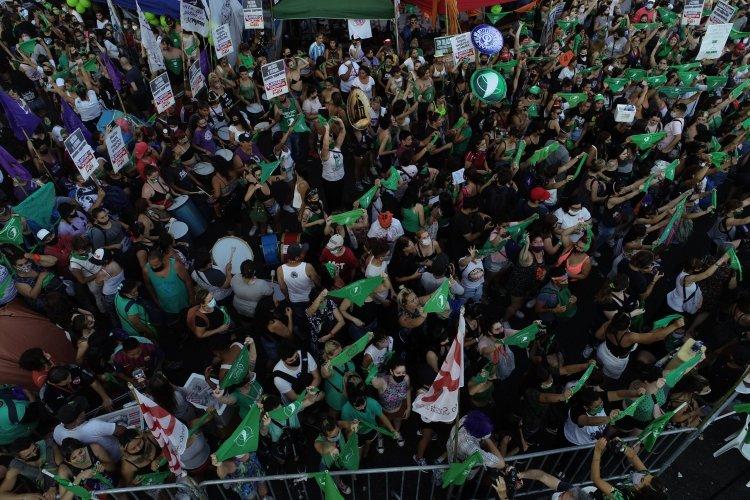Histórico, el Congreso de Argentina aprueba la legalización del aborto