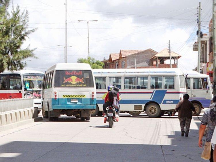 La Defensoría del Pueblo exhorta al Gobierno y a los transportistas a retornar al diálogo
