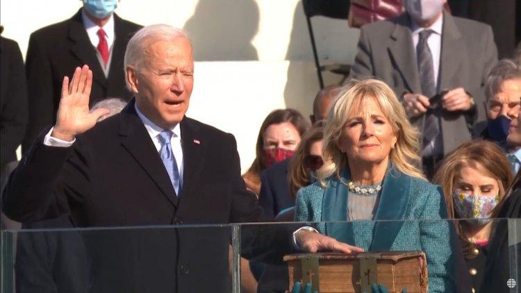 Jura Joe Biden, el presidente 46 de Estados Unidos