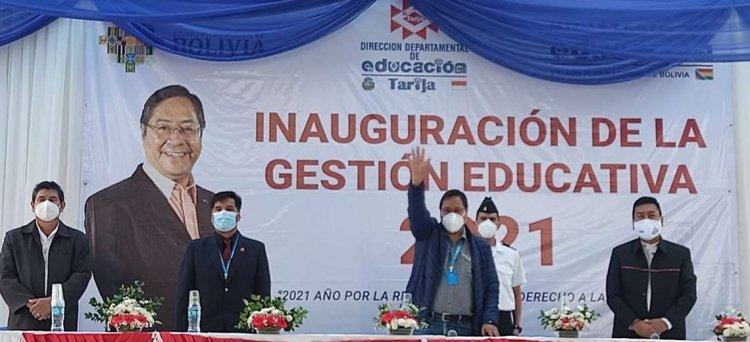 Arce inaugura la gestión escolar y anuncia una plataforma educativa e internet gratuito