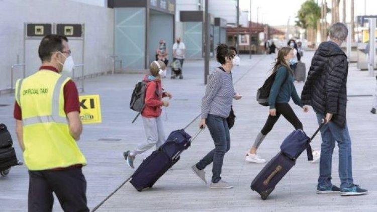 Gobierno amplía restricciones a vuelos desde Europa hasta 15 de marzo