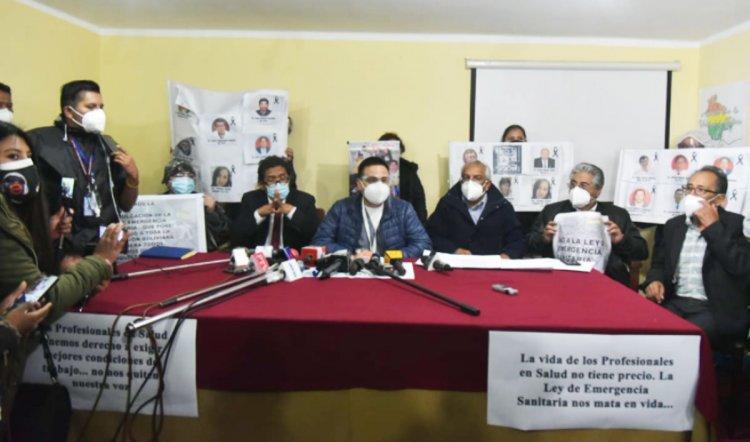 Médicos reciben apoyo de clínicas privadas en primer día de paro, el Gobierno descarta anular ley
