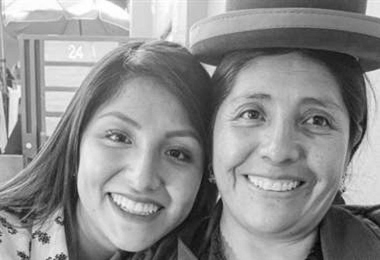 La madre de Evaliz, Francisca Alvarado, entró al servicio diplomático de Bolivia cumpliendo funciones en Ecuador