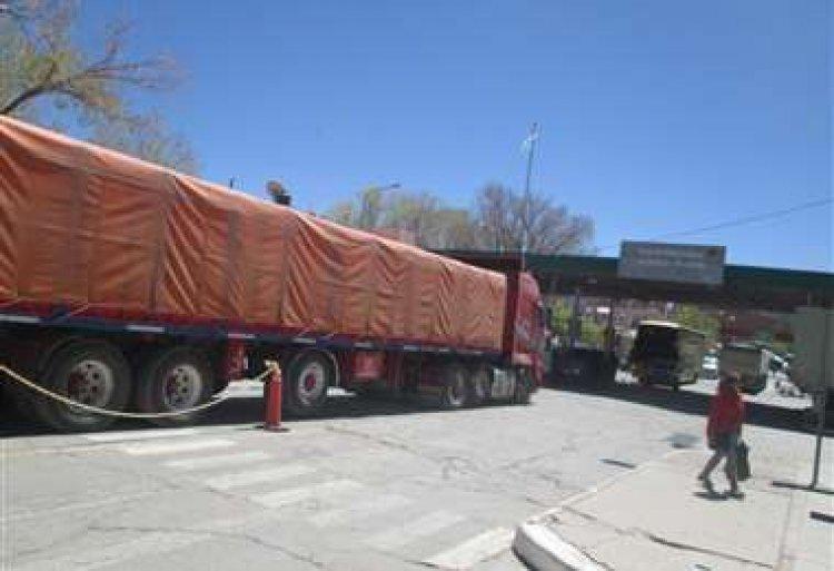 Cívicos anuncian bloqueo indefinido en los puentes que conectan a Bolivia con Argentina