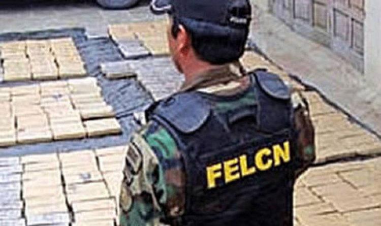 Dos 'tragones' pretendían transportar 1.375 gramos de droga líquida a Chile