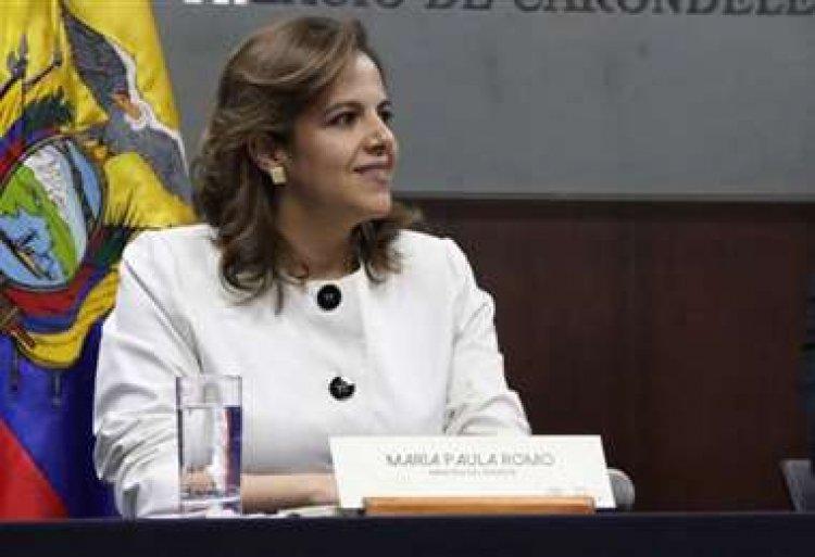"""Exministra de gobierno de Ecuador asegura que su país no envío """"armamento de guerra"""""""