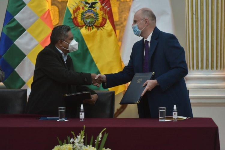 Bolivia y Francia firman acuerdo para la adopción internacional de niños