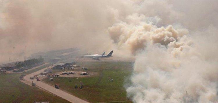 Incendio ingresó al aeropuerto Viru Viru en Santa Cruz