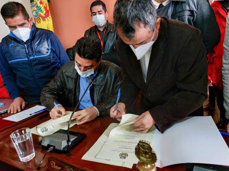 Alcalde Torres aprueba la ley de alianzas público privadas y generación de empleo