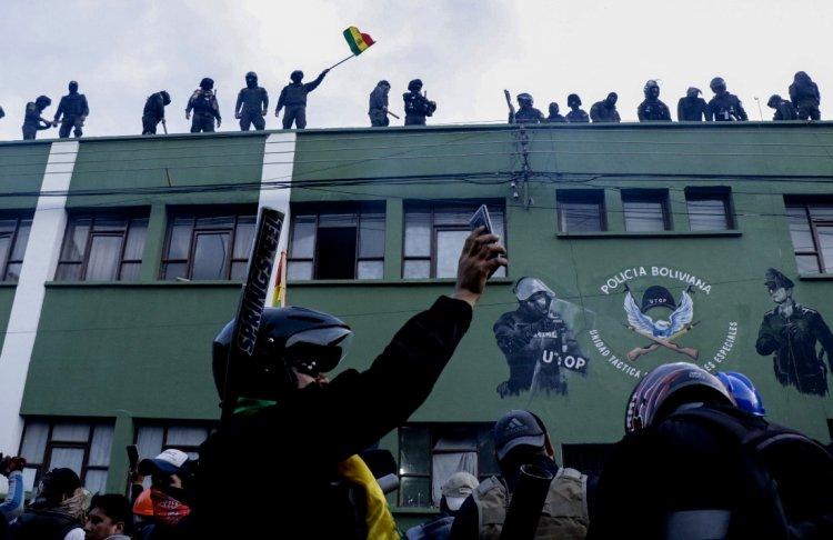 Dan de baja al coronel Nelson Flores Claros por el motín policial de 2019 en Cochabamba