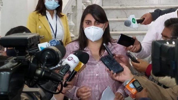 Barrientos presenta su renuncia a la jefatura de bancada de CC en Senado