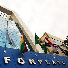 Fonplata entrega $us 200.000 a Bolivia para la compra de equipamiento médico