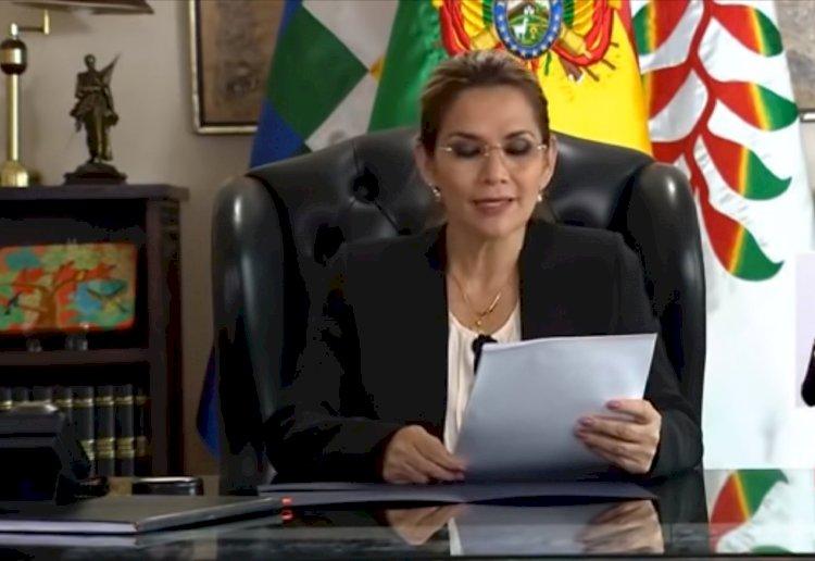 """Áñez culpa a Arce y Morales de """"manipular"""" la Asamblea"""