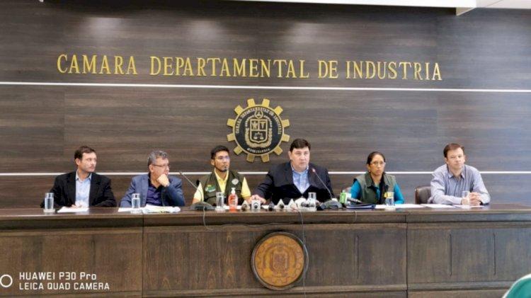 Industriales rechazan incremento salarial y piden un fondo de estabilización productiva