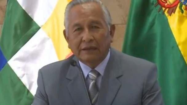 Tras pedidos de renuncia, Cárdenas llama al diálogo a maestros rurales y urbanos